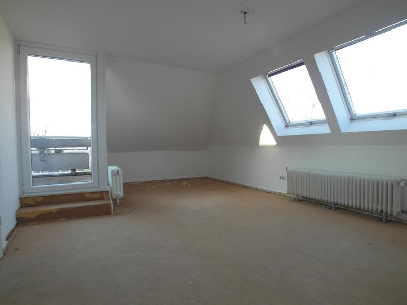 Fußboden ohne Belag in einem leeren Zimmer